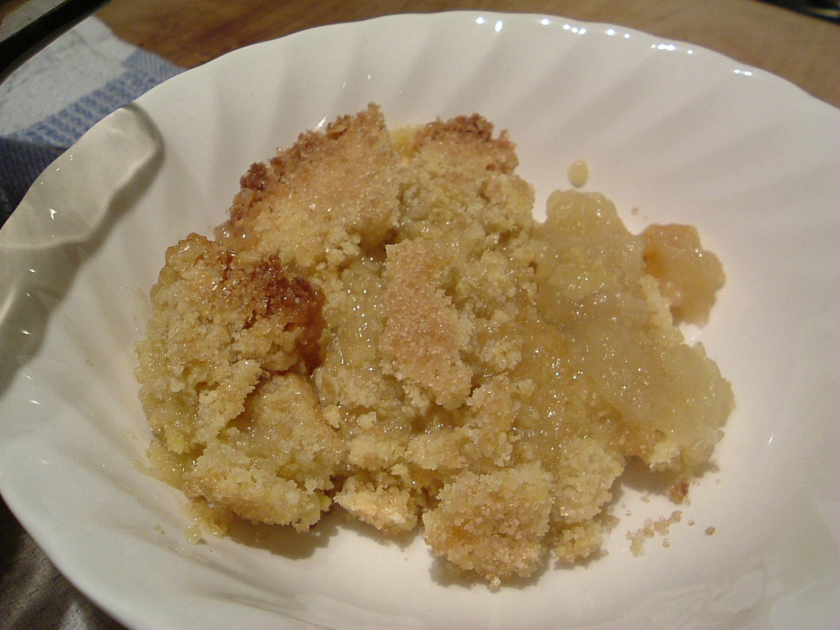 How to Make Apple Crumble: Traditional Recipe, Method & Serving Suggestions - an English Tradition & a Family Favourite