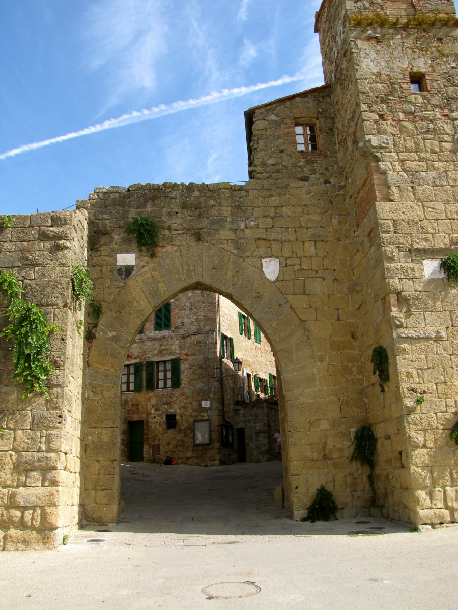 Entrance to Monticchiello
