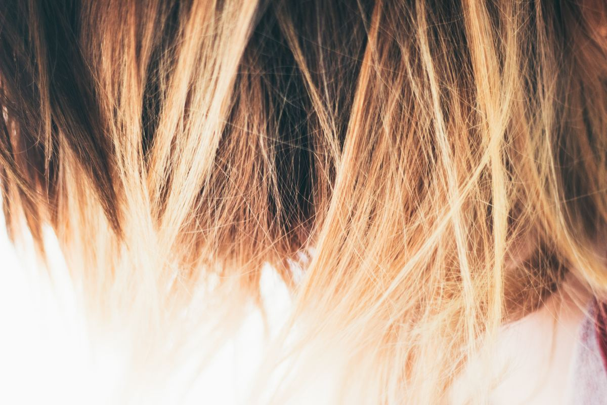 How to Highlight Your Own Hair at Home