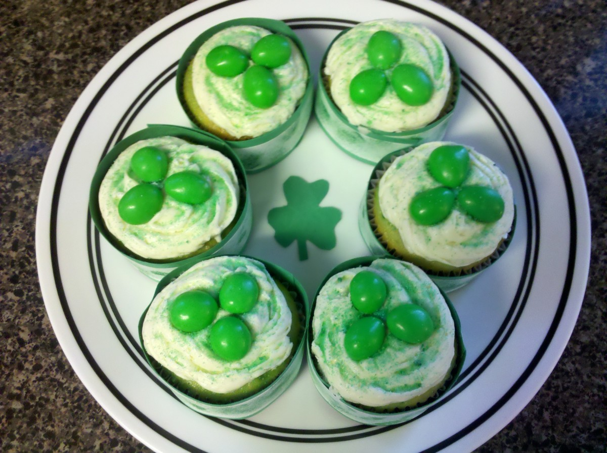 Celebrate with these festive three-leaf clover cupcakes!