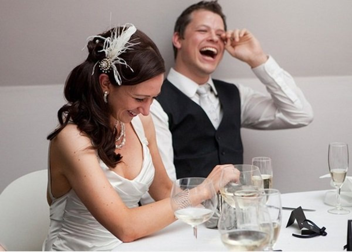 7 Funny Jokes and Drinking Toasts You Can Say as a Wedding MC
