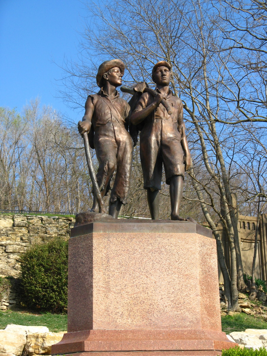 Tom Sawyer and Huckleberry Finn in this Mark Twain monument in Hannibal, Missouri