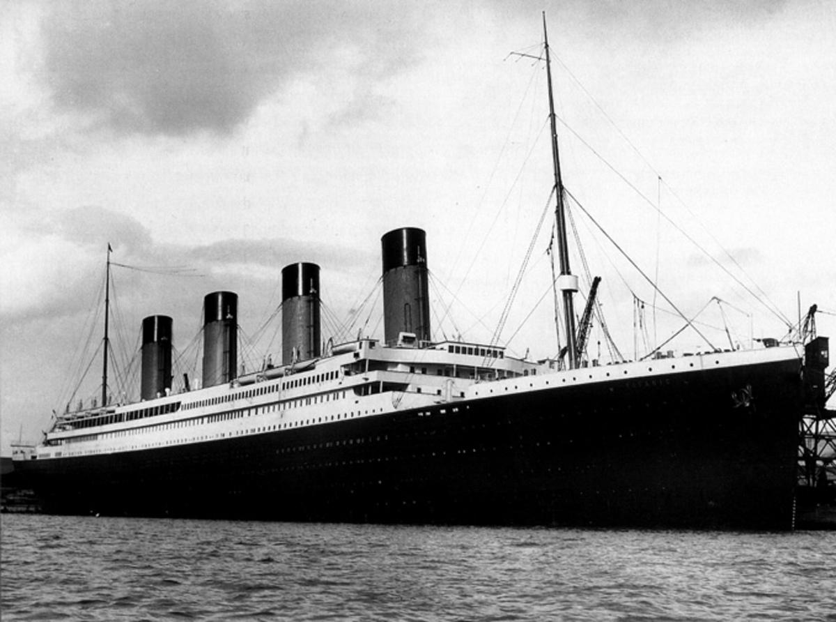 titanic size comparison to modern cruise ships