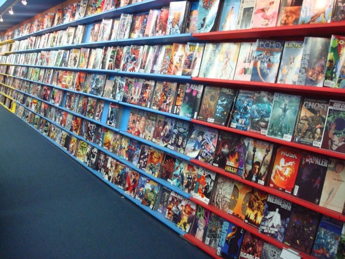 The Thirteen Graphic Novels that No Comic Book Fan Should Be Without