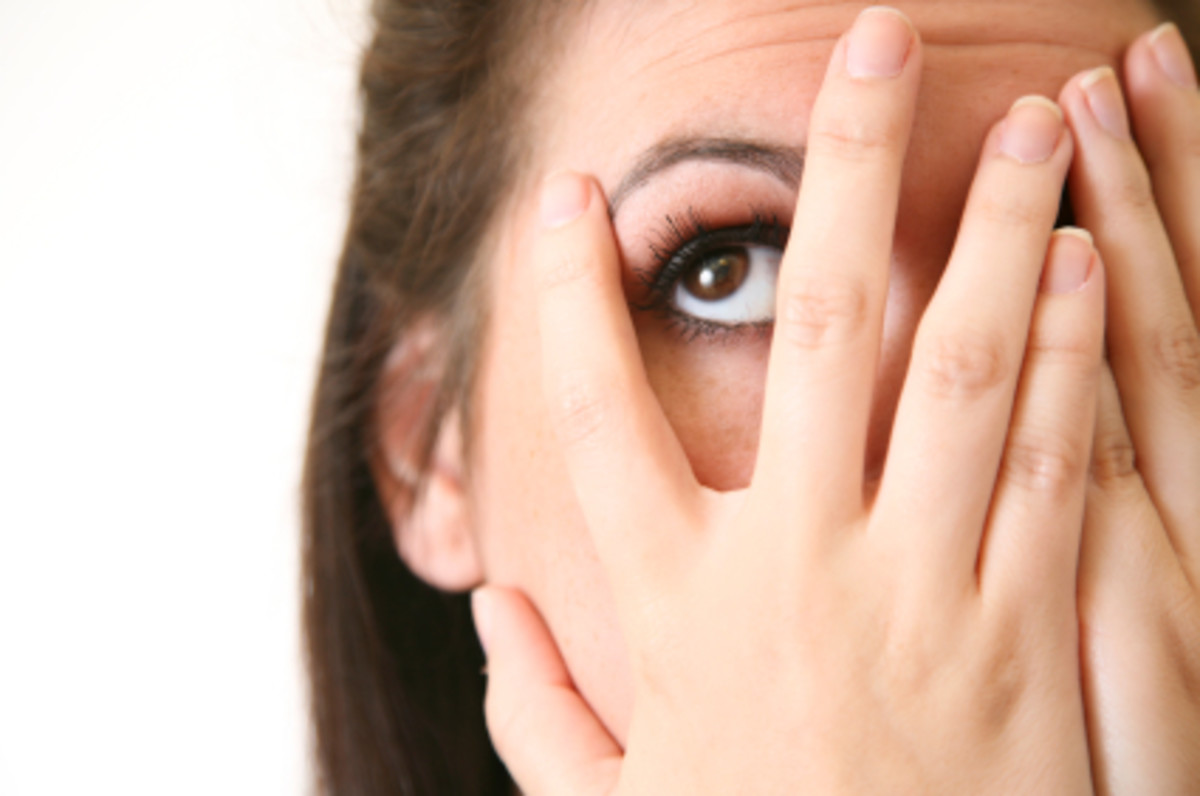 Why Do I Pick At My Skin? Dermatillomania Causes and Symptoms