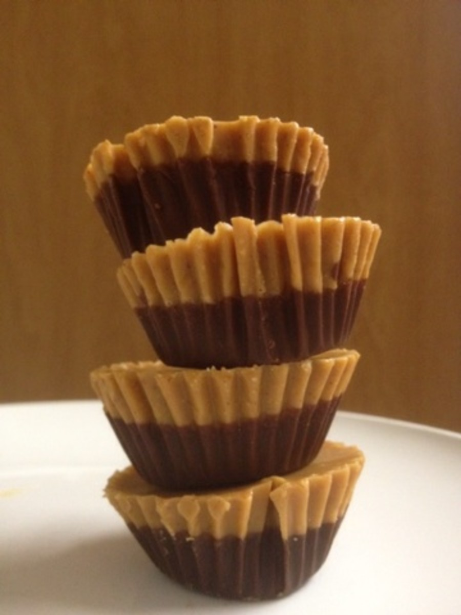 Dark chocolate peanut butter cups (healthy version)
