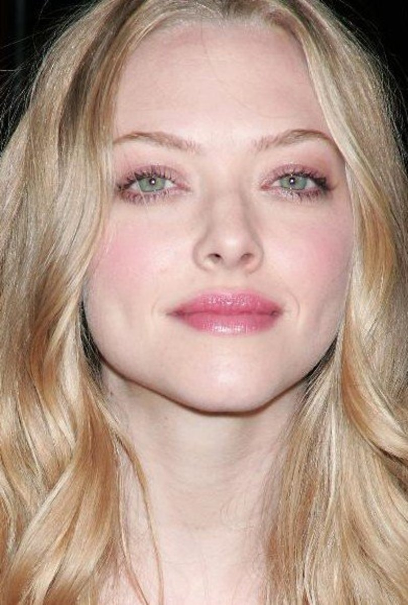 Amanda Seyfried And Her Beautiful Green Eyes