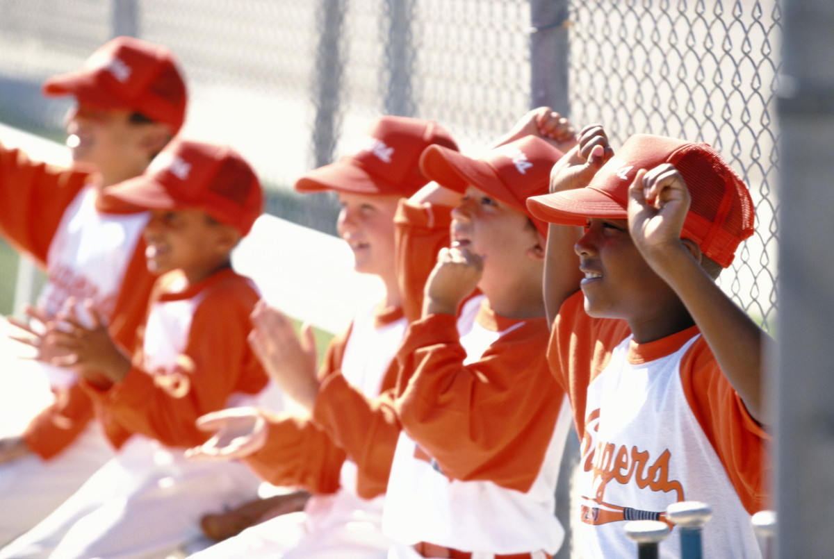 How to Teach Little League Baseball Youth Signals and Signs