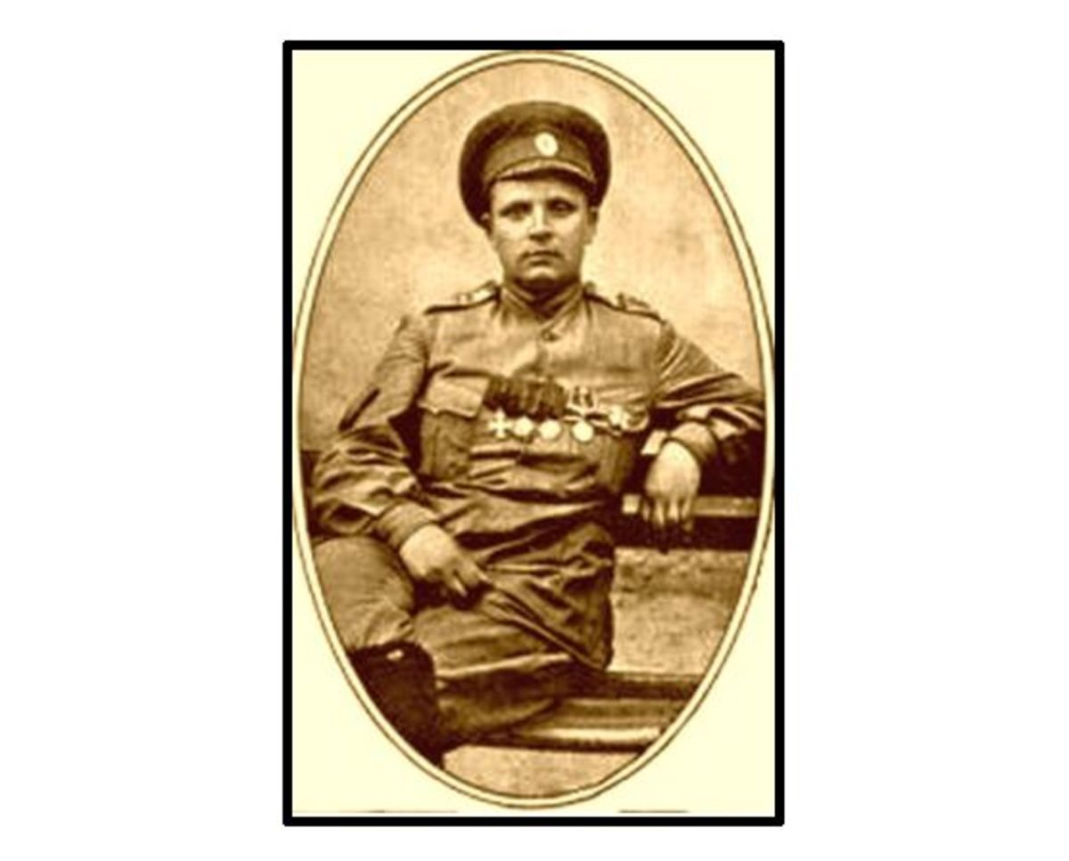 WW1: Maria Leontievna Bochkareva (Yashka), earlier in the war.