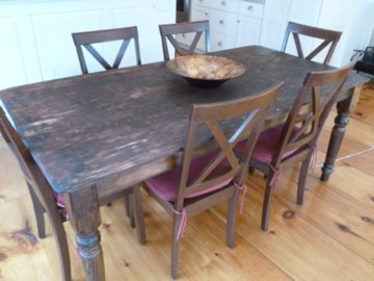 6' x 3' old table, seats 6.
