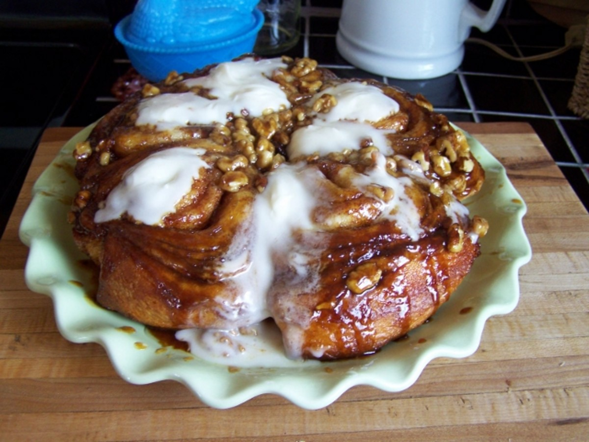 Easy, Delicious, Sticky, Gooey, Sweet Cinnamon Roll Recipe