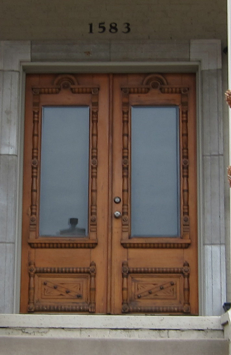 Reclaimed Antique Wooden And Glass Front Doors Really Make An Entrance.