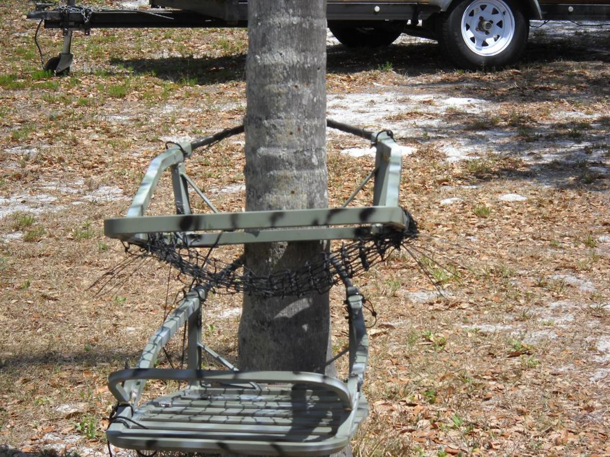 This API tree stand now only weighs 12.8 lbs, now that's a load off your back.