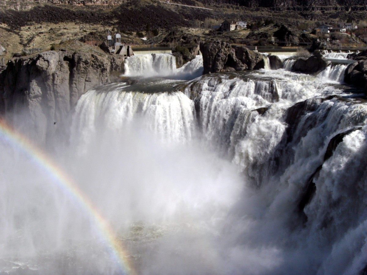 Visit Shoshone Falls and Perrine Bridge in Twin Falls, Idaho