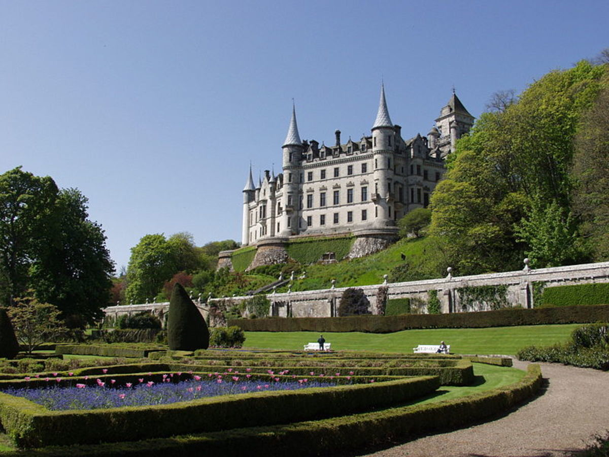 Scottish castle weddings great places to get married in for Scottish highland castle house plans