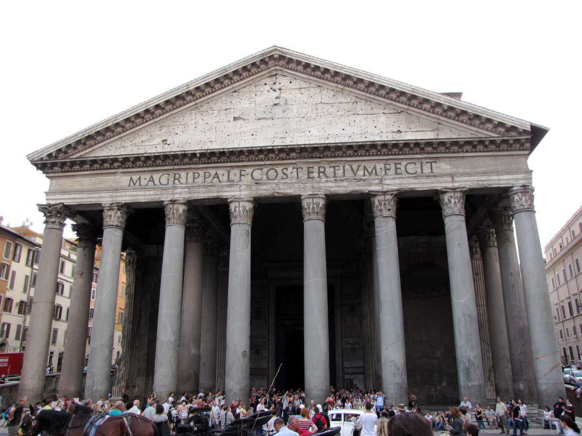 Visiting the Pantheon, Rome, Italy