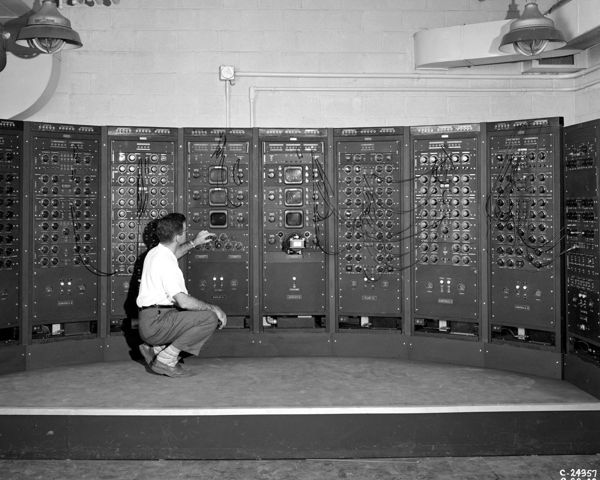 Analog Computing Machine