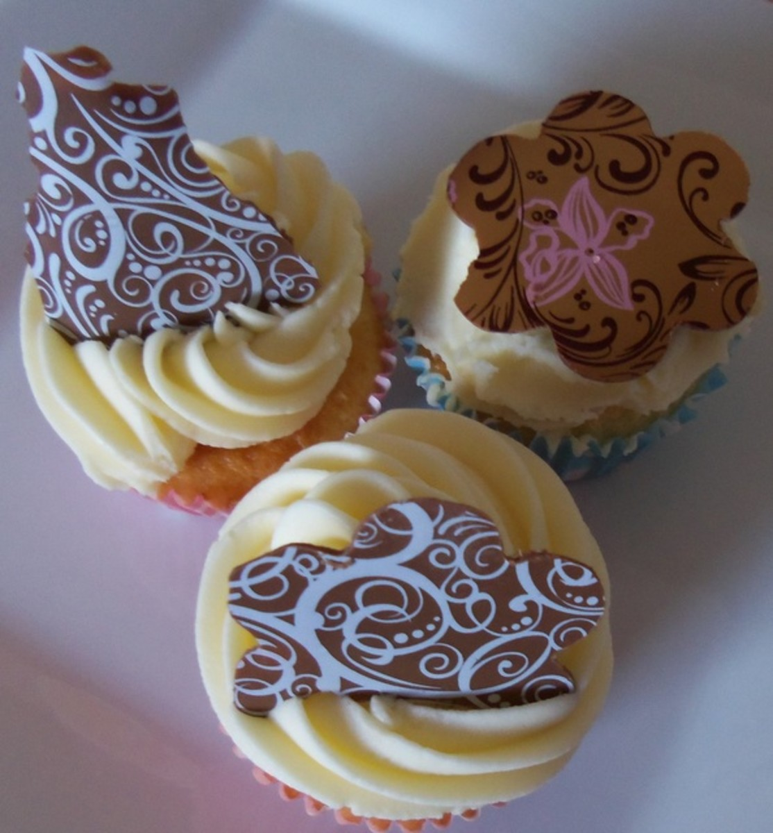 How To Use Chocolate Transfer Sheets to Decorate Cupcakes