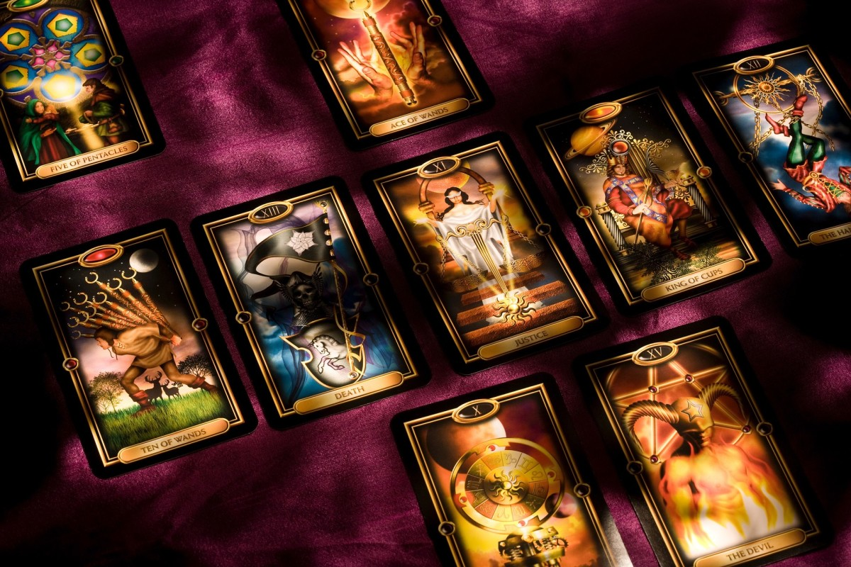 How to Deal or Spread Tarot Cards