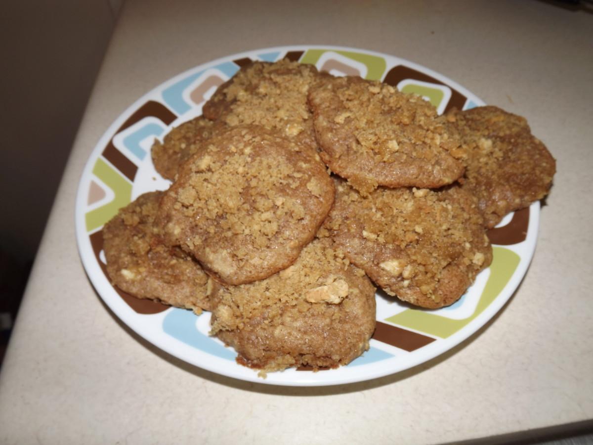 Pile of yummy apple cinnamon streusel cookies.