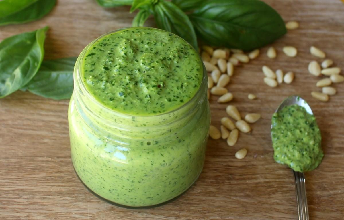 Healthy vegan pesto recipe delishably forumfinder Image collections