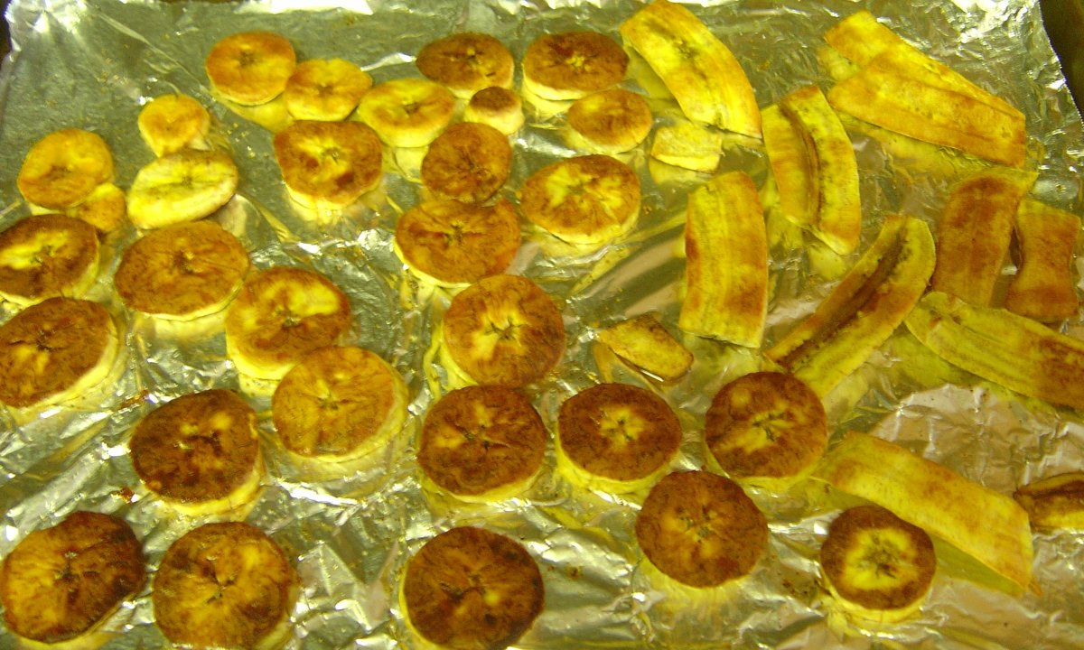 How to Make Healthy, Oven-Baked Plantain Chips