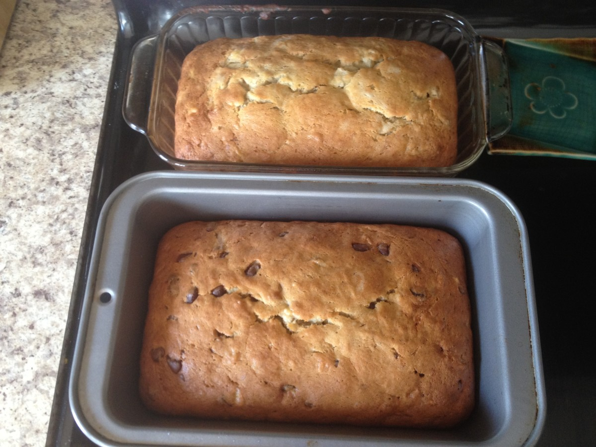 Plain and Chocolate Chip Banana Bread.