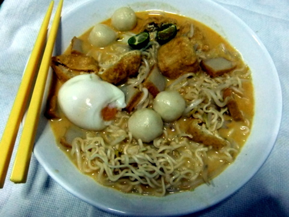 Curry Noodle or Mee Kari using Instant Noodle.