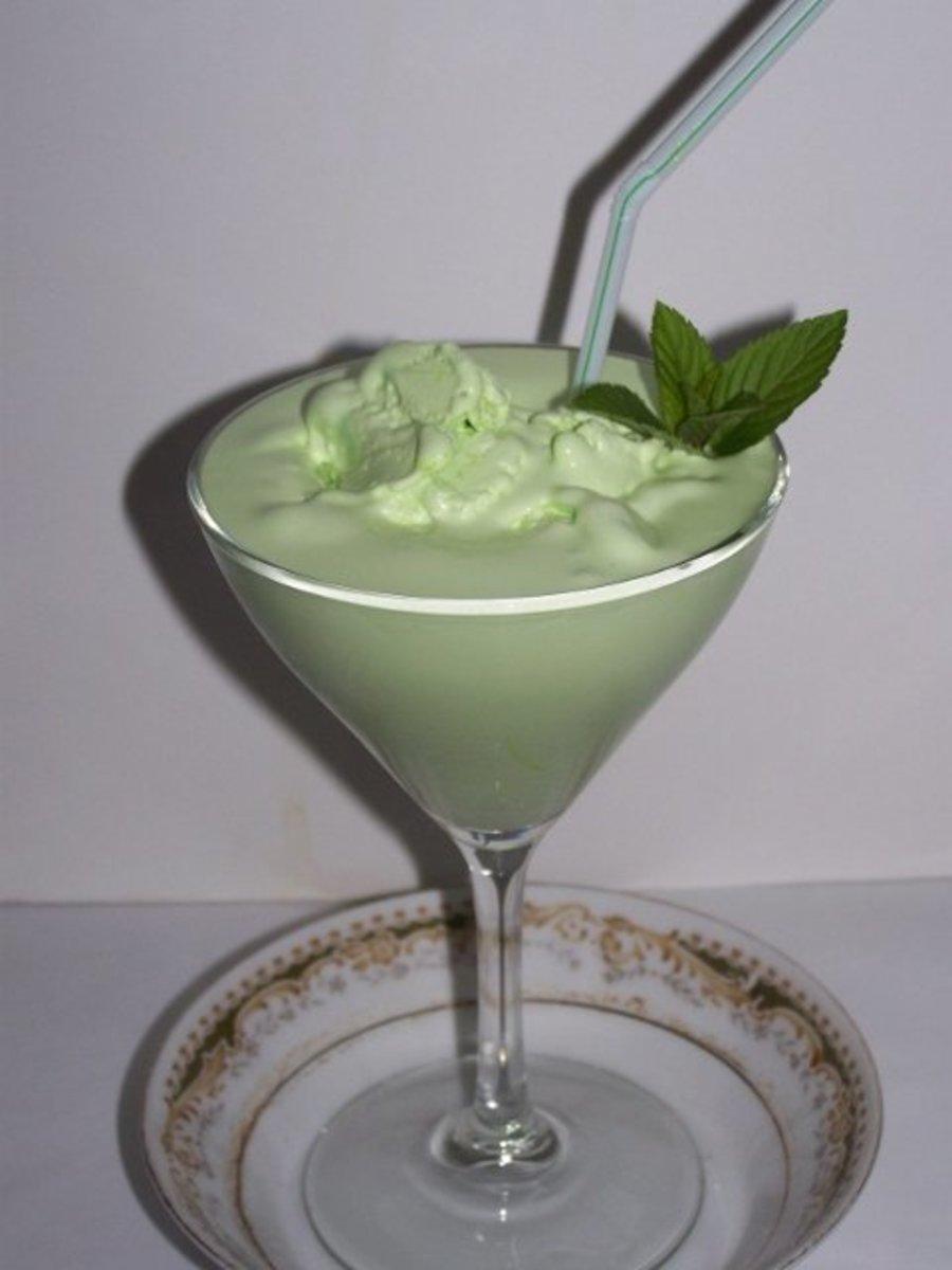 Make-Ahead Grasshopper Ice Cream Frozen Drink Recipe   Delishably - photo#37