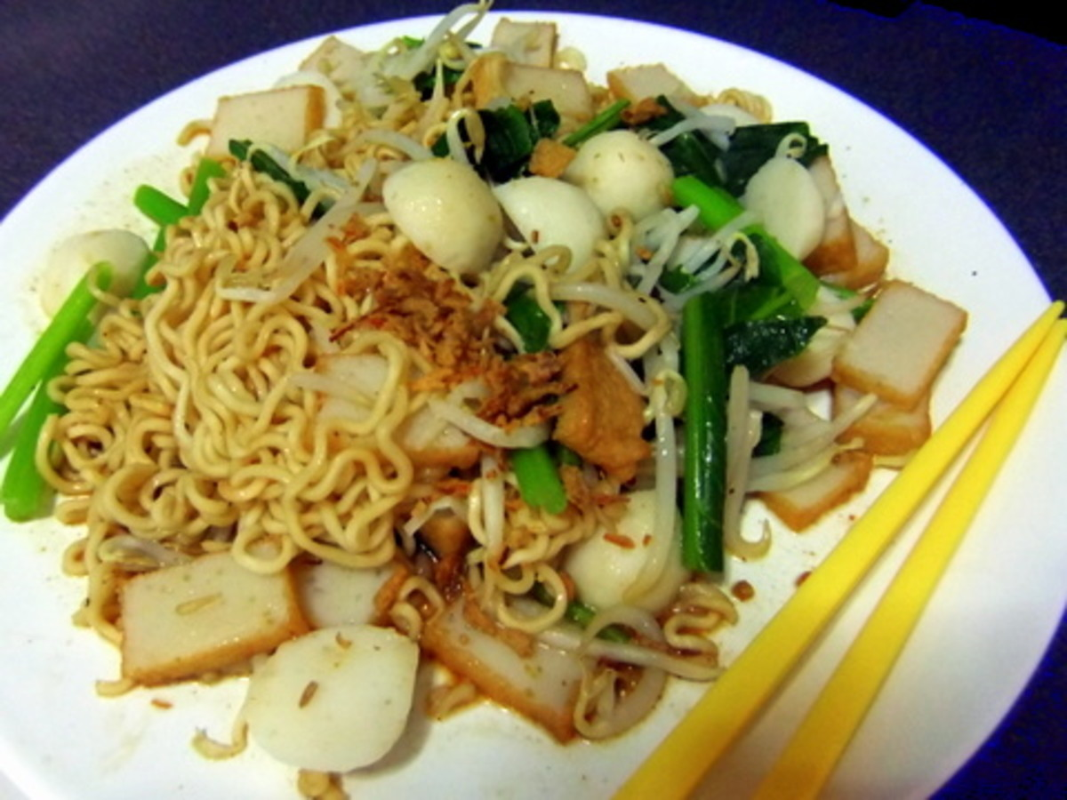 Fried Noodles or Mee Goring using Instant Noodle