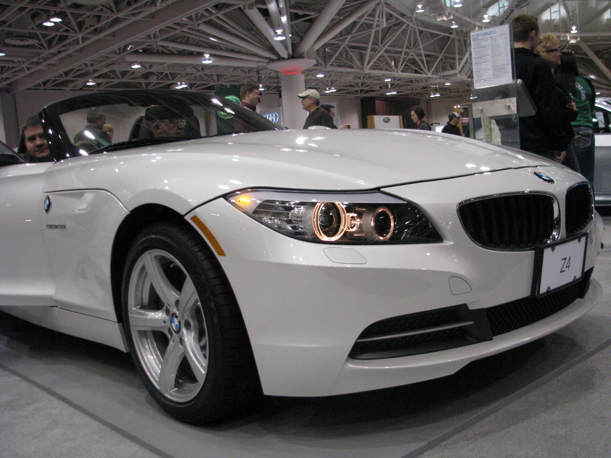 BMW Z4 sDrive 35 front view
