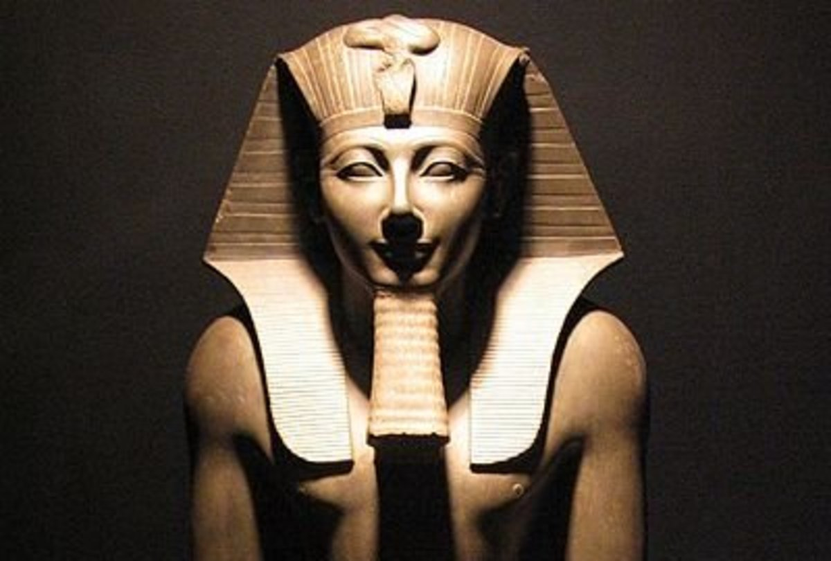 Statue of Thutmosis III in Luxor Museum