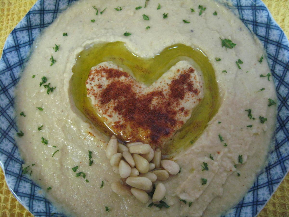 How to Make Homemade Hummus Without Tahini