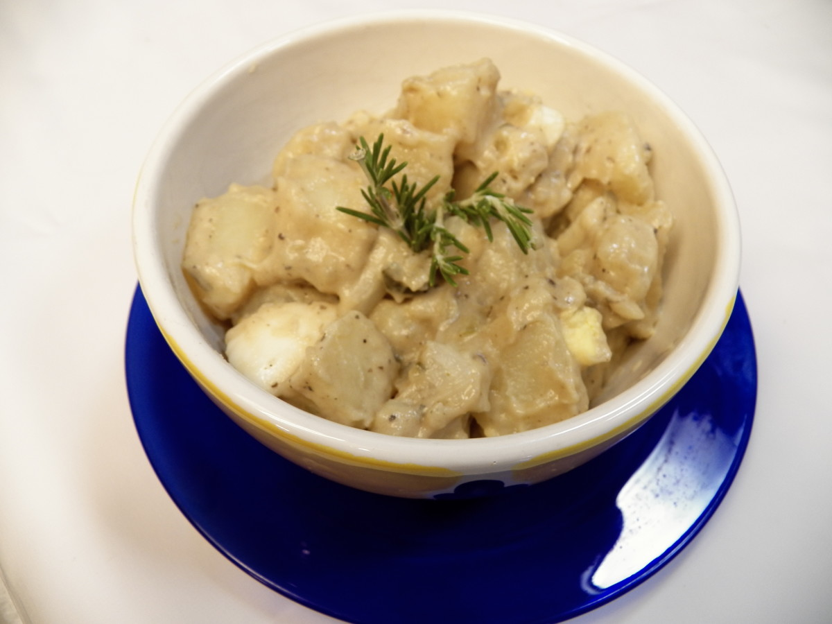 How to Make the Best Potato Salad: Easy Recipe