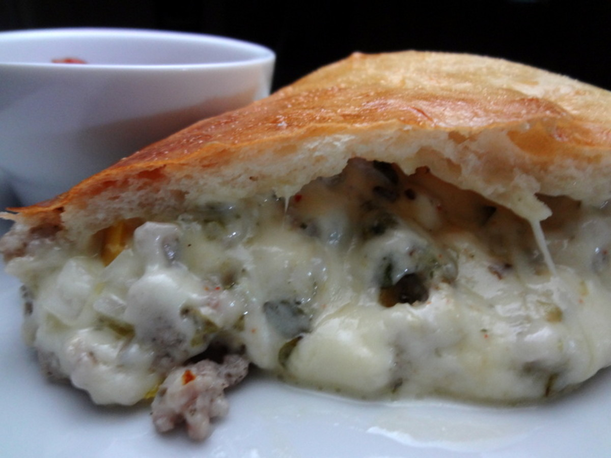 Easy Calzone Recipe: Easy Cheesy Calzones