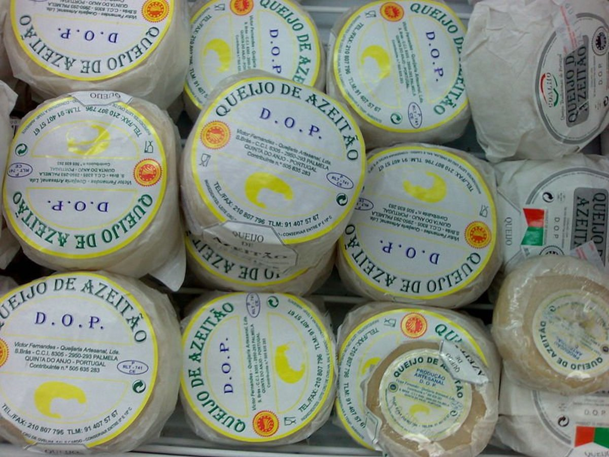 Azeitão cheese that you dive into to with a spoon!