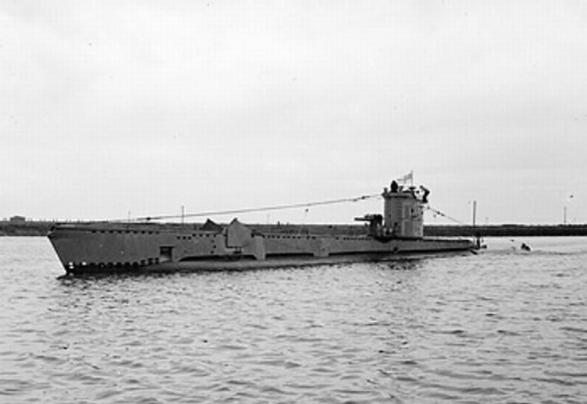 World War 2 History: The Only Time in History a Submerged Submarine Sank Another Submerged Submarine