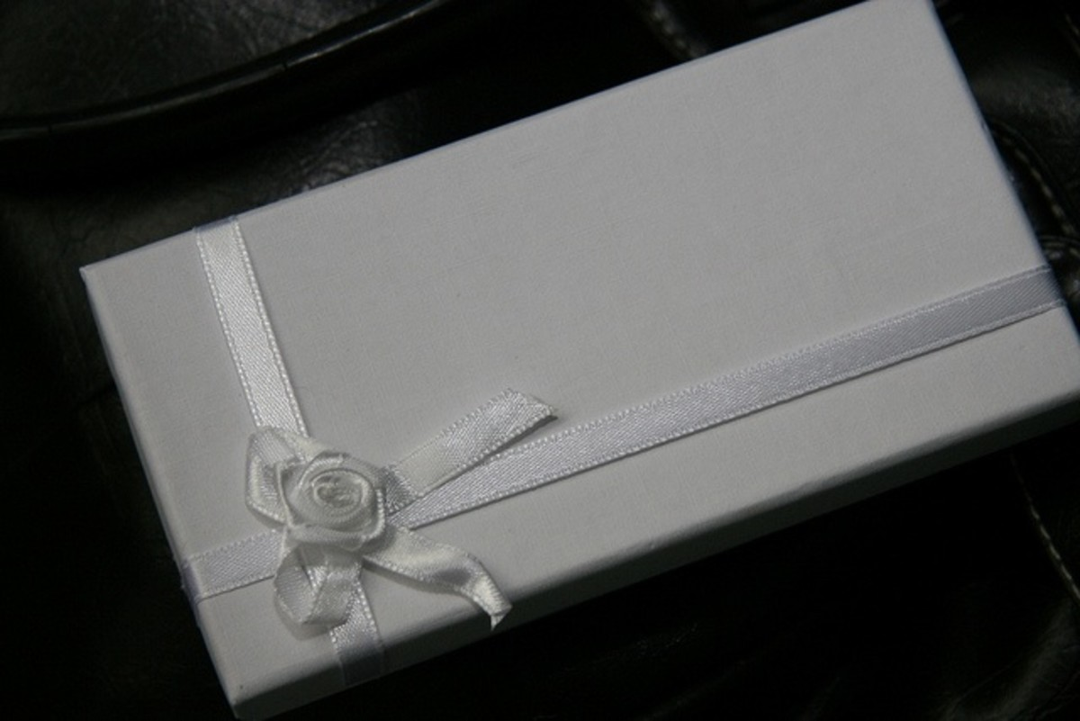 The best gift for a second wedding or older couple may not come in a box, though it's still nice to wrap up and bring a gift, even if it's a wrapped up gift certificate.