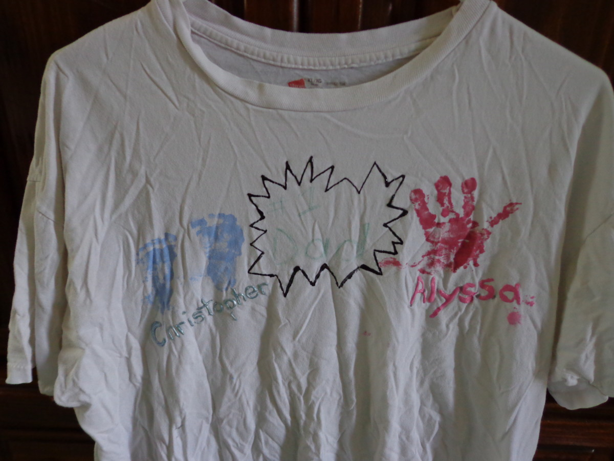 Here is our homemade Father's Day T-shirt  (it's nine years old and still in one piece).