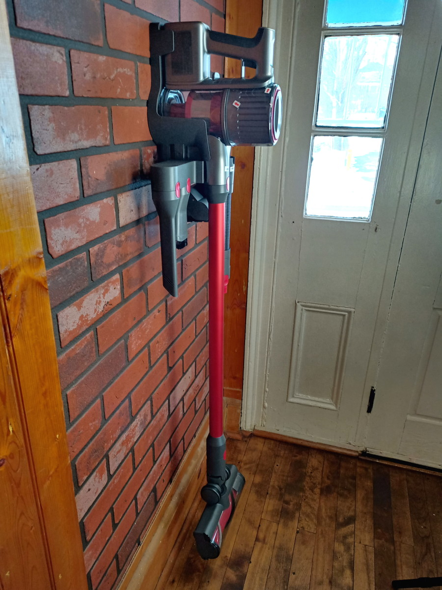Review of the Roborock H6 Cordless Stick Vacuum