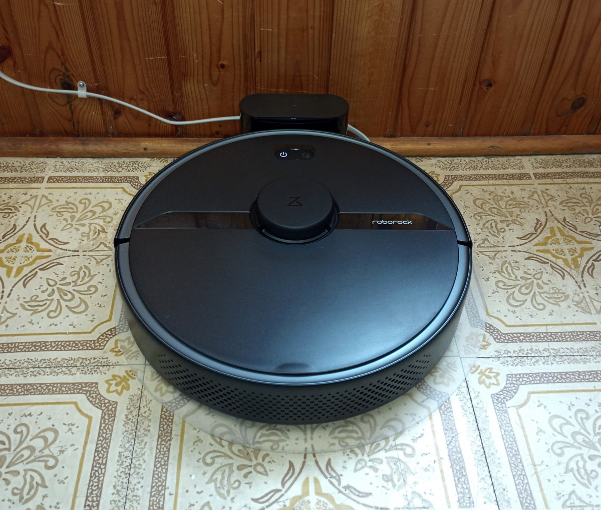 Review of the Roborock S6 Pure Robotic Vacuum Cleaner