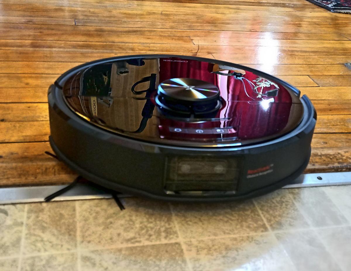 Review of Roborock S6 MaxV Robotic Vacuum