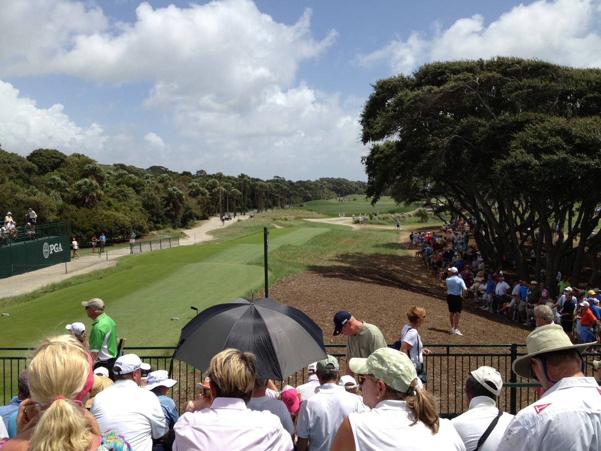 What to Wear and Bring to a Golf Tournament: A Spectator's Guide