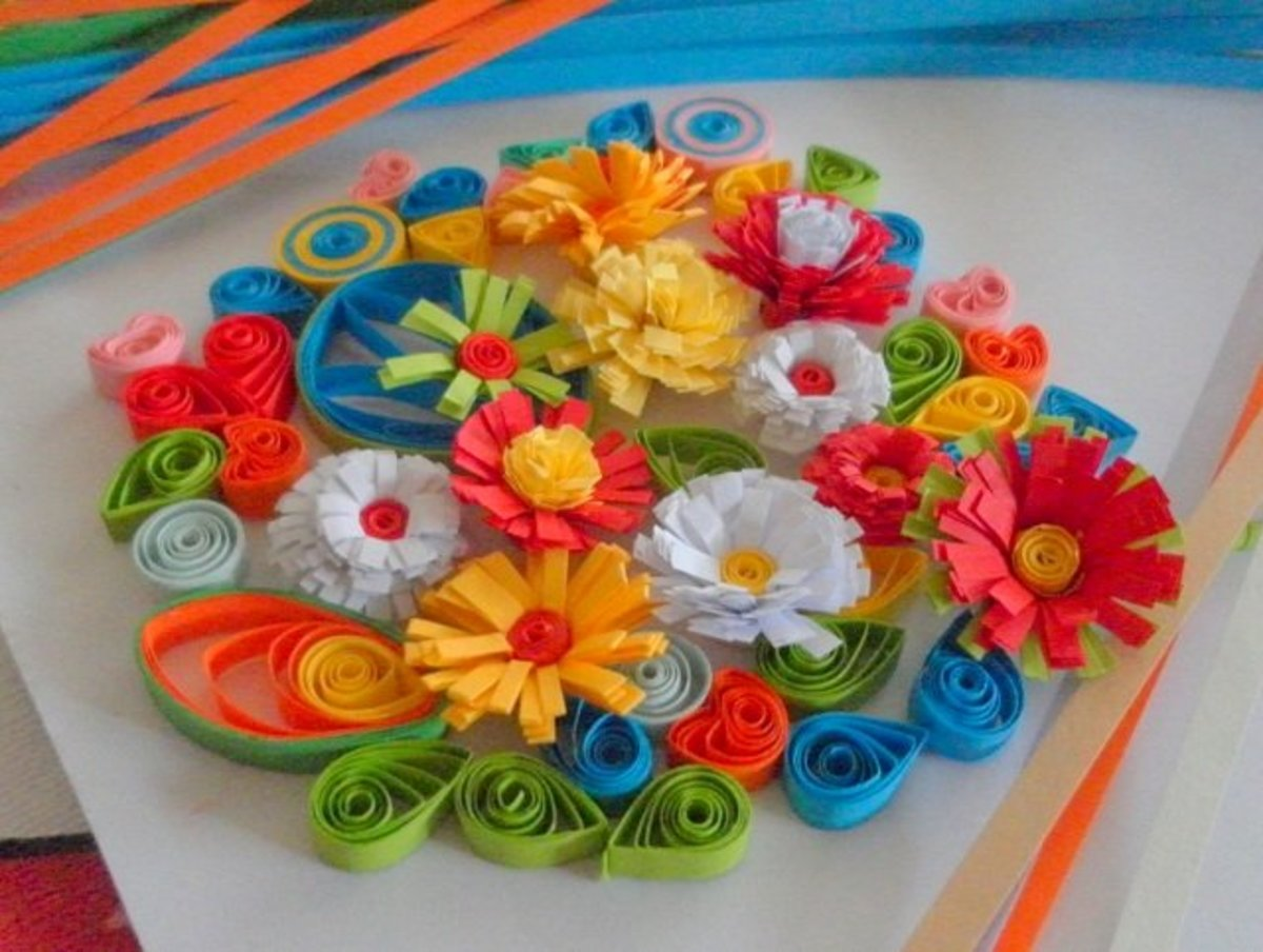 Paper quilling art - Quilled Fringed Flowers