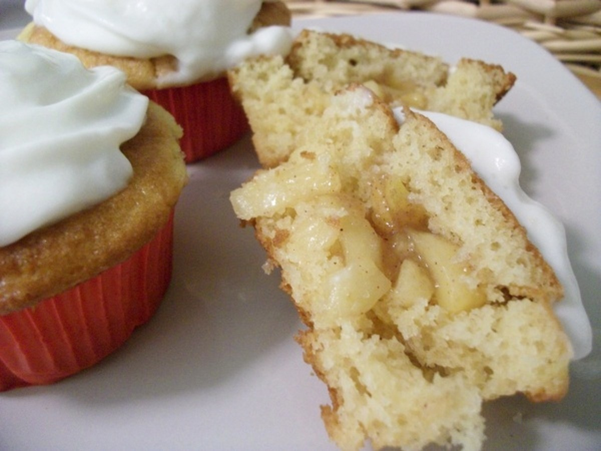 Gluten-Free Recipe:  Apple-Pie Cupcakes