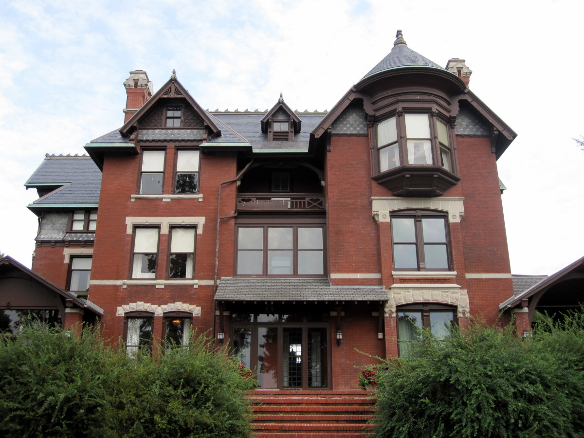 Brucemore Mansion: A Cedar Rapids, Iowa, attraction and National Trust Historic Site
