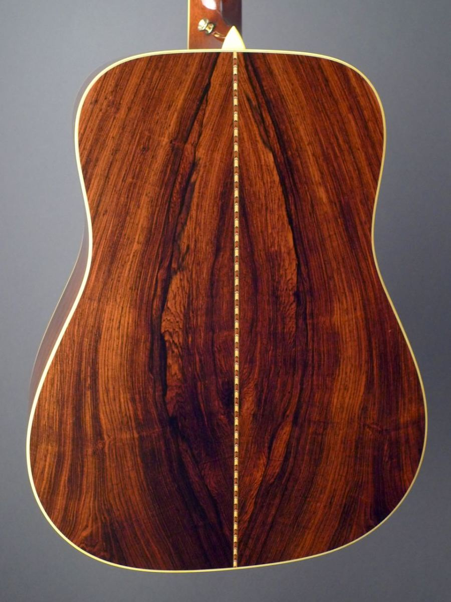 What does a rosewood look like And where does it grow