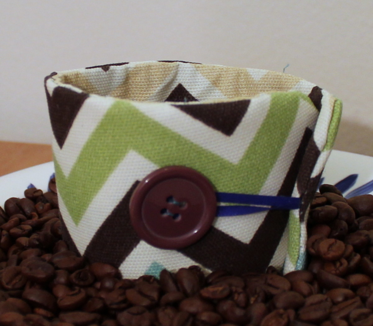 DIY reusable coffee sleeve