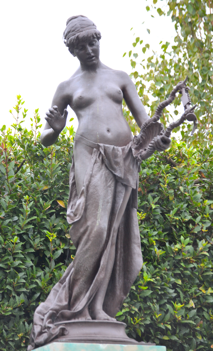 The Muse of Poetry (1891), Marlowe Memorial nr Marlowe Theatre, The Friars, Canterbury, UK