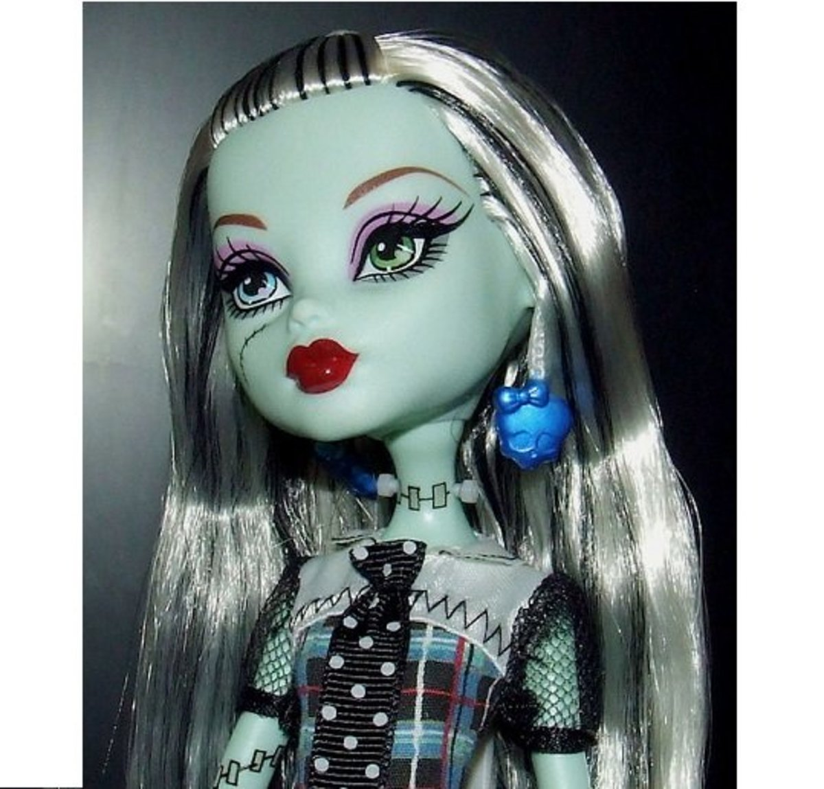 A Complete List of all the Monster High Doll Characters